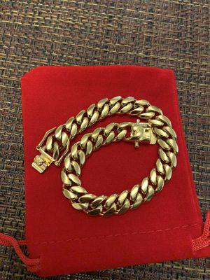 Cuban link bracelet (10mm) for Sale in Clearwater, FL