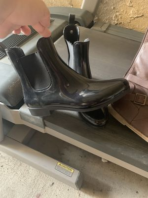 Rain boots women's size 7 for Sale in Kingsburg, CA