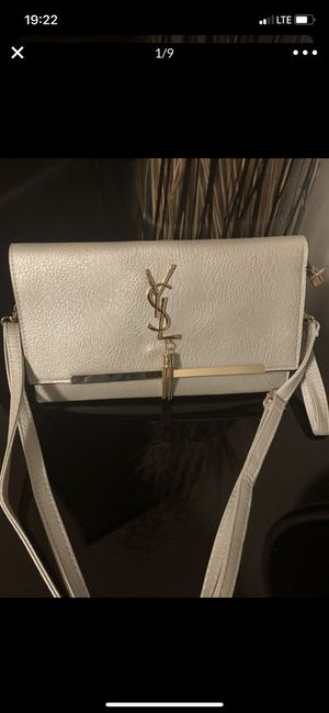 New purse for Sale in Elk Grove Village, IL