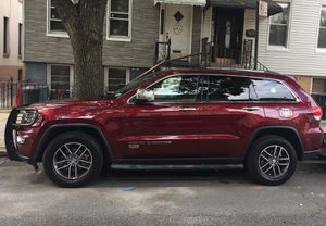 2017 Jeep Grand Cherokee limited for Sale in Queens, NY