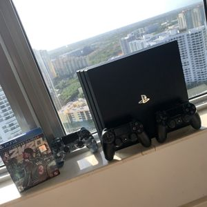 PS4 Pro Holiday Bundle w/8 Games 3 Controllers!!!Mint Condition for Sale in Miami, FL