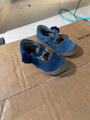 Free Size 7 or 8 for Sale in Miami, FL