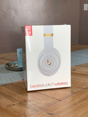 Beats studio 3 - white - new for Sale in Homestead, PA