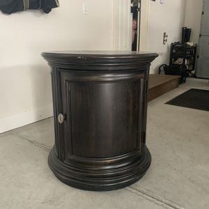 End Table for Sale in Appleton, WI