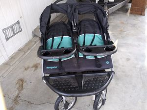 double stroller baby trend Navigator for Sale in Moreno Valley, CA