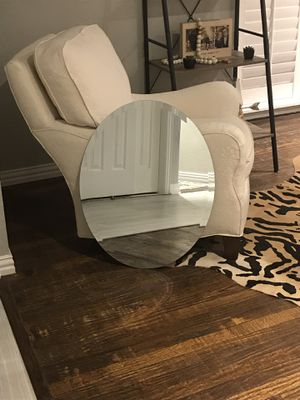 Oval Mirror 22in x 28in for Sale in Dallas, TX