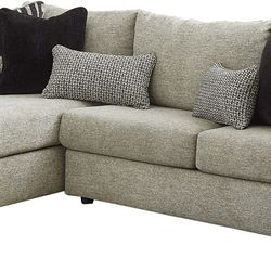 NEW, L SHAPPED LAF CORNER CHAISE MEDIUM SIZE SECTIONAL. for Sale in Santa Ana,  CA