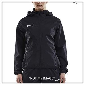 Craft NWT High Quality Woman's Rain Jacket L for Sale in St. Louis, MO
