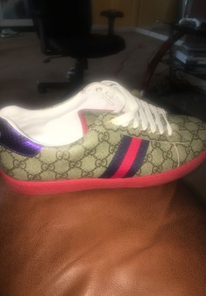 Gucci's size 10 never worn 400$ for Sale in Nashville, TN