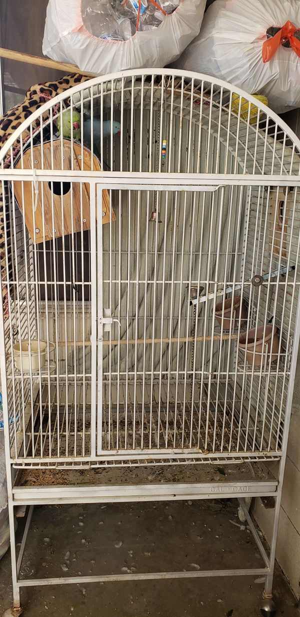 A very big cage for sale need to sell fast