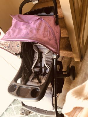 Stroller w/ Matching newborn car seat with base for Sale in Pasco, WA