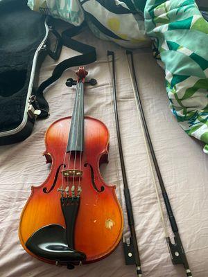 Violin with a good case for Sale in Shoreline, WA