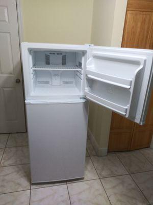 Refrigerator premium for Sale in Miami, FL