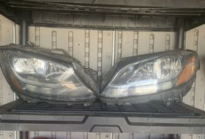 OEM Mercedes Benz C300 halogen headlight replacements for Sale in Chino Hills, CA