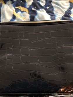 Estée Lauder Blue and Gold Toiletry Bag for Sale in Happy Valley,  OR