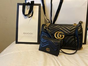 Gucci purse and wallet for Sale in Seattle, WA