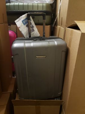 24 inches luggage hard shell for Sale in Los Angeles, CA