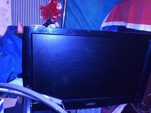 Vizio smart tv 24 inch roku tv for Sale in Princeton, LA