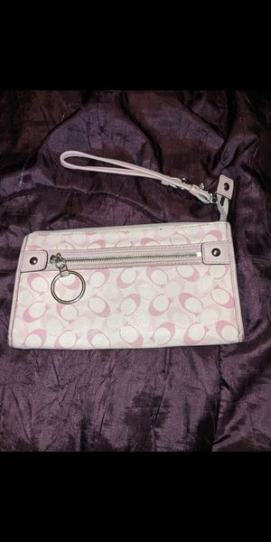 Coach pink hand purse for Sale in Adrian, MI