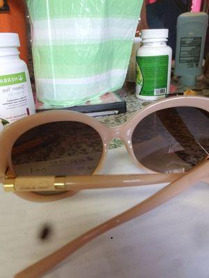 Tory burch sunglasses for Sale in Colton, CA