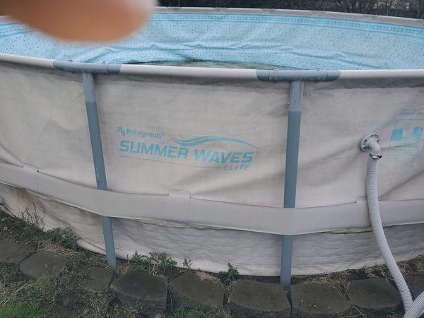 Summer Waves swimming pool