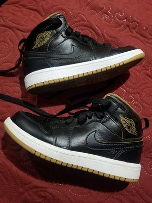 "Air Jordan 1 ""Black Gold"" Kids size 11. for Sale in Los Angeles, CA"