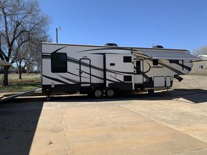 2014 Keystone Carbon Toy Hauler with Generator for Sale in Tuttle, OK