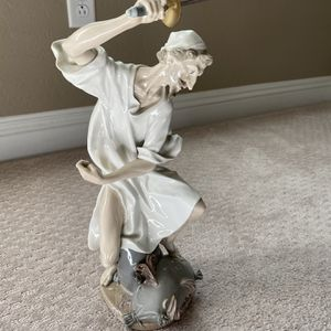 "lladro ""Wrath of Don Quixote"" Porcelain Figurine. for Sale in Las Vegas, NV"