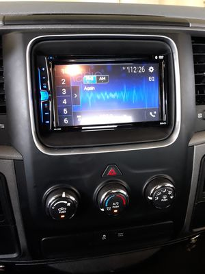 Pioneer double din 289 installed for Sale in North Las Vegas, NV