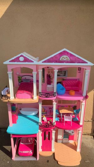 Casa de barbie/BarbieHouse for Sale in Bell Gardens, CA