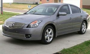 2OO7 Nissan Altima SL....for quick sale for Sale in Pittsburgh, PA