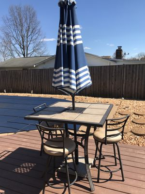 Patio set w/ 3 chairs for Sale in Sudley Springs, VA