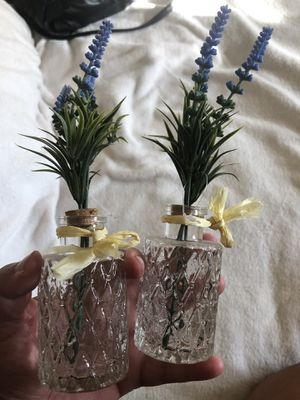 Mini vases with option to change flowers for Sale in Lemon Grove, CA