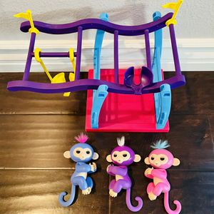 Wowwee Monkey Bar Playset Swing With 3 Fingerlings - COMPLETE SET + Extras for Sale in Rancho Cucamonga, CA