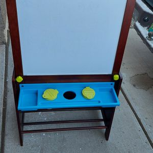 Kids Wood Art Easel with Bins Chalk & White Board for Sale in Albuquerque, NM
