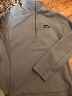 Women's Patagonia size medium lightweight pullover for Sale in Waterbury,  CT