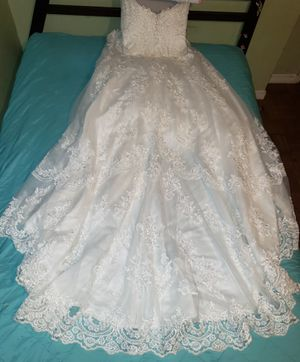 Wedding dress size 14 for Sale in Raleigh, NC