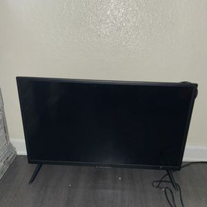 "Insignia 32"" Tv for Sale in Fontana, CA"