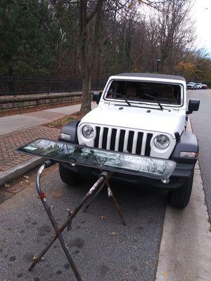 2018 Jeep Wrangler windshield $250 for Sale in Ellenwood, GA