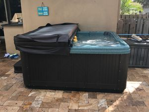 Hot Tub For Sale for Sale in Fort Lauderdale, FL