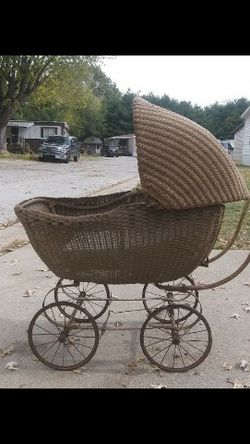 1917 Loyd's Baby Buggy for Sale in Taylorville,  IL