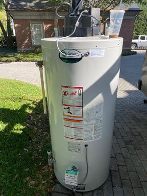 Gas water heater for Sale in Tampa, FL
