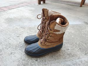 Women lady snow Boots size 8 for Sale in Union City, CA