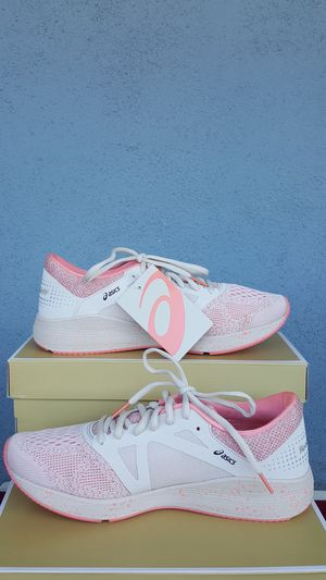 New Authentic Women's Asics Sneakers Size 10 ONLY for Sale in Montebello, CA