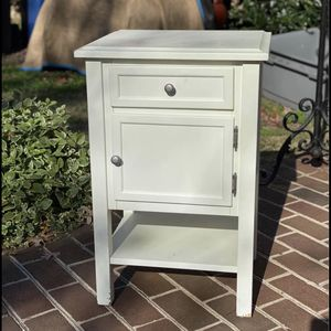 Small Wood Cabinet/Side Table for Sale in Alexandria, VA