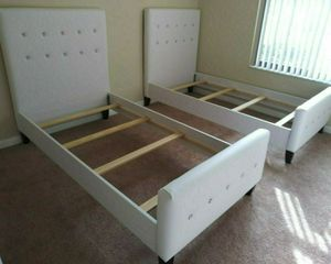 NEW 2 BEAUTIFUL TWIN DIAMOND BED/MATTRESS SOLD SEPARATELY for Sale in Biscayne Park, FL