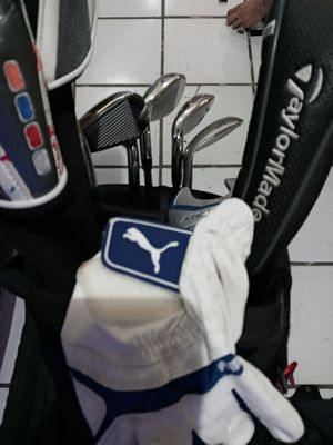 Corbra king speed zone iron set of 12 Glof clubs in very good condition for Sale in Miami, FL