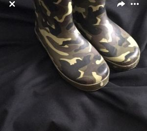 Camo rain boots size 6 for Sale in Oviedo, FL
