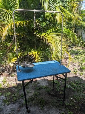 Dog grooming heavy duty portable table with bowl for Sale in Pompano Beach, FL