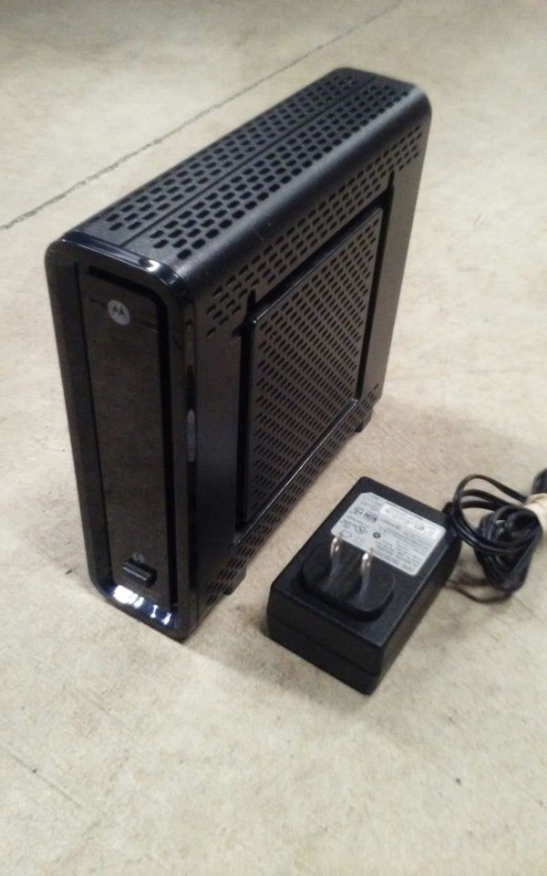 Motorola SBG6580 Cable Modem - WIFI And DOCSIS 3.0